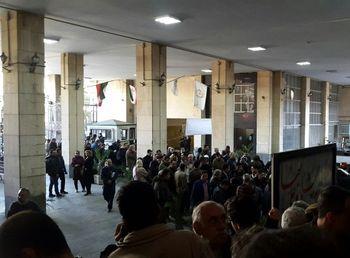 هجوم مردم برای حراج سکه در بانک کارگشایی