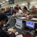 تخلف بانکها در اخذ کارمزد اضافی از مشتریان